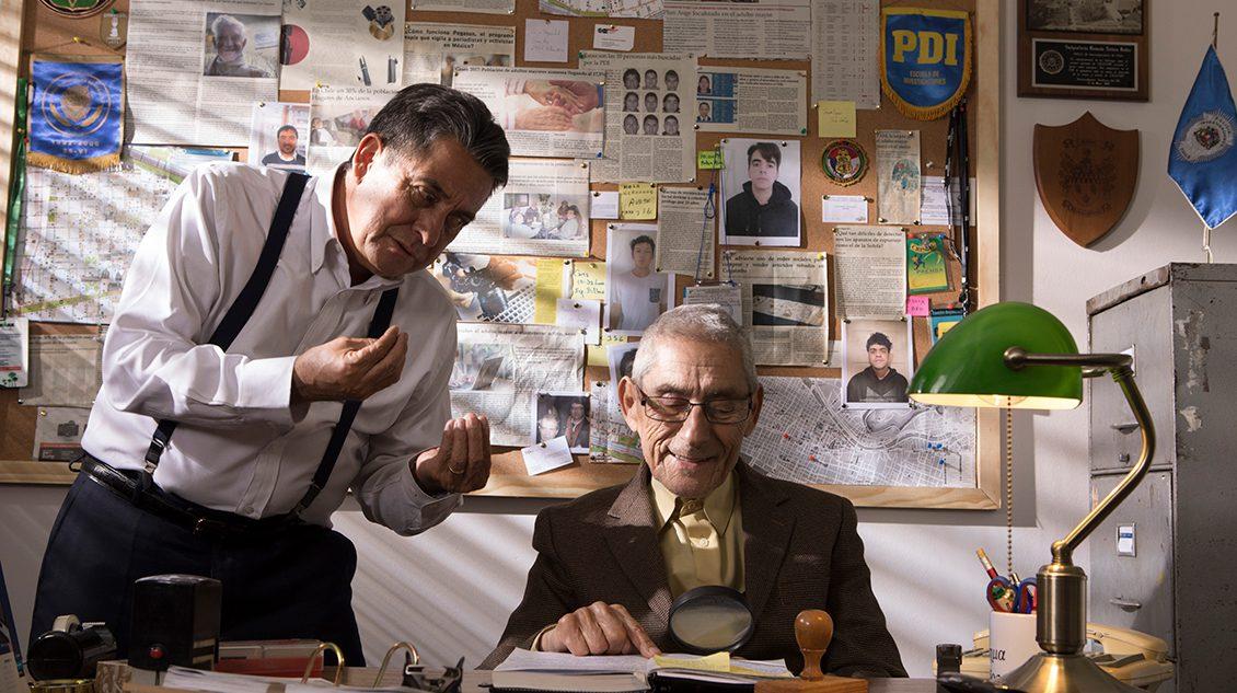 'El Agente Topo' revela trailer inédito y fija estreno premium